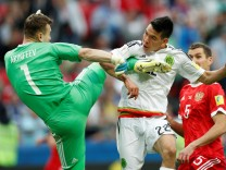 Mexico v Russia - FIFA Confederations Cup Russia 2017 - Group A