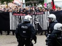 Demonstration gegen Gefangenensammelstelle