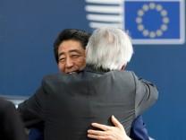 EU empfängt japanischenPremierminister Shinzo Abe