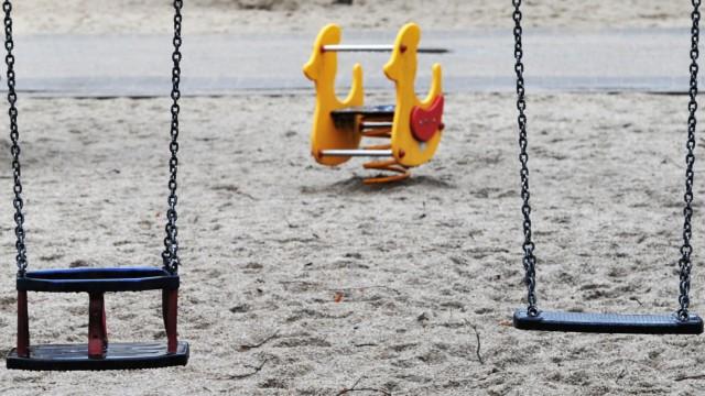 Kinder sind laut einer Umfrage vielen Bundesbürgern zu teuer