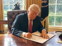 Donald Trump erneuert Einreisestopp