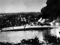 Zweiter Weltkrieg - Kreuzer 'Blücher' vor Oslo getroffen