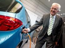 Kretschmann bei 'Lebenswelt Elektromobilität'