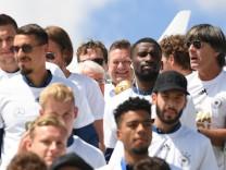 Nationalmannschaft zurück in Deutschland