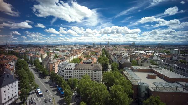 München: Stadtteilfest NEUHAUSEN / Blick vom Rot-Kreuz-Hochhaus