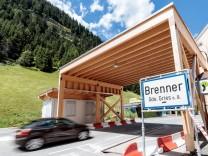 Brenner Ort 05 07 2017 Brenner AUT Oesterreich bereitet Grenzkontrollen zu Italien vor im Bild B