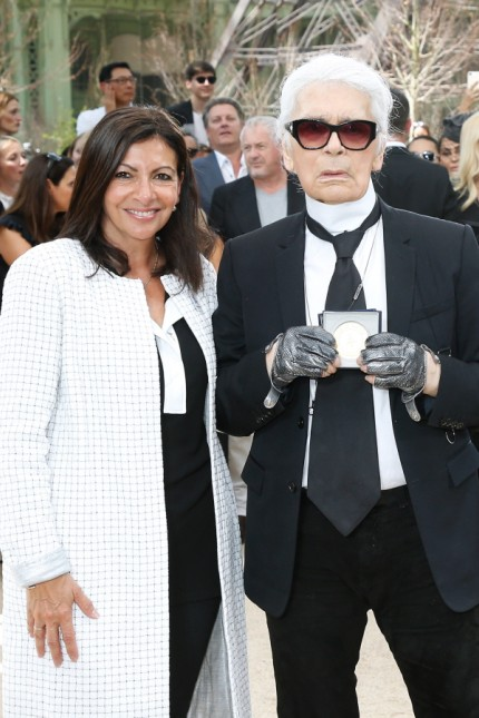 Paris Mayor Anne Hidalgo Decorates Karl Lagerfeld- Paris Fashion Week - Haute Couture Fall/Winter 2017-2018