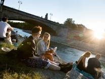 Sundowner bzw. Schmuckfoto München City oder Süd oder Ost