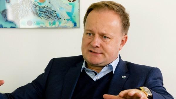 Lnadrat Robert NIedergesäß, Jfahresinterview
