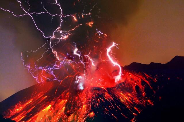 Sakurajima night eruption long exposure