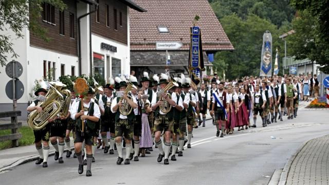 Egling LaBrassBanda beim Loisachgaufest