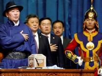 New Mongolia's president Khaltmaa Battulga takes an oath during his inauguration ceremony in Ulaanbaatar