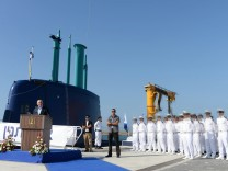 Benjamin Netanyahu Welcomes Israeli Navy's Fourth German Built Dolphin Class Submarine