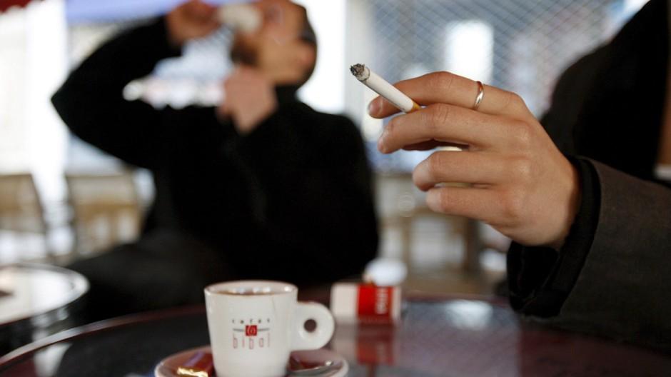 Rauchen für jeden Dritten tödlich - doch Aufhören ist ansteckend
