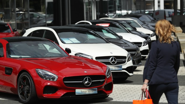 Daimler AG Accused Of Large Scale Emissions Cheating