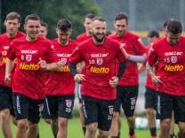 Erstes Mannschaftstraining Jahn Regensburg