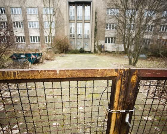 Max Planck Gymnasium Deutschland Berlin 29 01 2009 Max Planck Gymnasium Verfall bröckelnder Put
