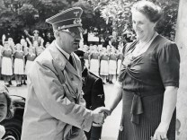 Hitler und Winifred Wagner in Bayreuth, 1939