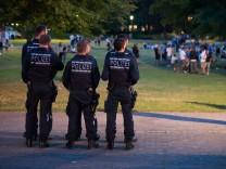 Feuerwehr und Polizei zeigen Präsenz bei Stadtfest