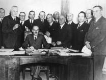 Wilhelm Hoegner und das erste Nachkriegskabinett in Bayern, 1945