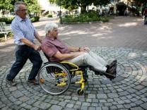 Begehung Garchings mit dem Behindertenbeirat
