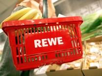 Rewe Group soll sky-Märkte mit Frischeprodukten beliefern