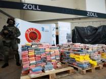 Zoll präsentiert Kokain Rekordfund