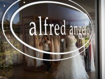July 13 2017 Boynton Beach Florida U S Delray based Alfred Angelo is closing all their store