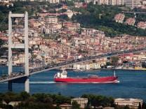 Bosphorous Shipping Channel As Erdogan Announces $12 Billion Canal