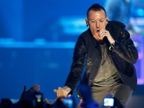 FILE PHOTO:    Chester Bennington of Linkin Park performs during 2012 iHeartRadio Music Festival in Las Vegas