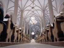 Kirchen geben Auskunft zu Mitgliederentwicklung 2016
