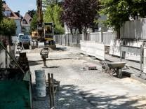 Montsalvatstraße, Kopfsteinpflaster durch Asphalt ersetzen. Das was wollen die Anwohner überhaupt nicht.