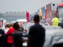 Wieder Unfall am Stauende auf Autobahn A2