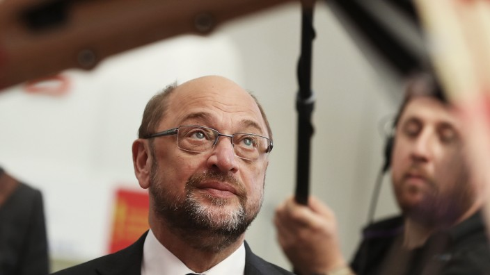 Martin Schulz Visits Airbus Factory