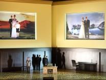SEMIRAMIDE: ALEX ESPOSITO (ASSUR), DANIELA BARCELLONA (ARSACE)  Gioachino Rossini: Semiramide. Premiere am 12. Februar 2017 im Nationaltheater. Musikalische Leitung: Michele Mariotti. Inszenierung: David Alden