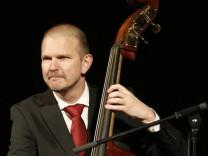 Bassist Martin Zenker