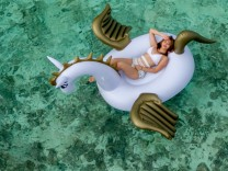 Unicorn Float Pool