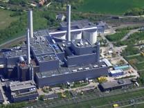 Heizkraftwerk Muenchen Nord aus der Luft 08 05 2008 Deutschland Bayern Muenchen aerial view to h