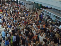 Flugpassagiere am Flughafen Fiumicino in Rom