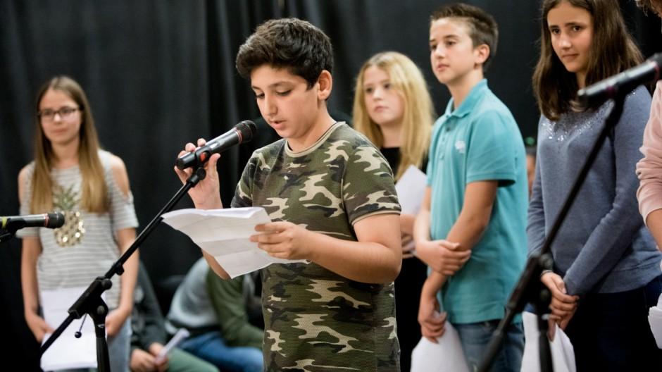 Lust auf Lyrik: Neue Lyrikperlen aus Neuperlach, Gedichte der 6a der Wilhelm-Busch-Realschule, Kulturhaus Neuperlach