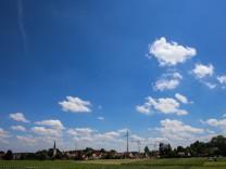 Pellheim mit Windrädern