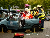 Bruck: Suchtpräventionsveranstaltung ãDiskofieberÒ / GRG - Aktionsteil Feuerwehr FFB