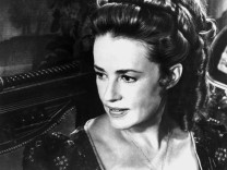 ACTRESS JEANNE MOREAU TO BE HONORED