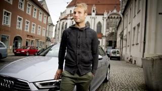 Augsburg: Fußballer (FC Pipinsried)  und Pfarrer-Chauffeur Christoph Burkhard