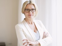 Startup-Gründerin Eve Büchner von refund.me greift Ryanair-Chef Michael O'Leary in offenem Brief an