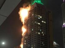 Großbrand in Wolkenkratzer in Dubai ausgebrochen