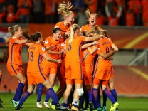 Netherlands v England - UEFA Women's Euro 2017: Semi Final