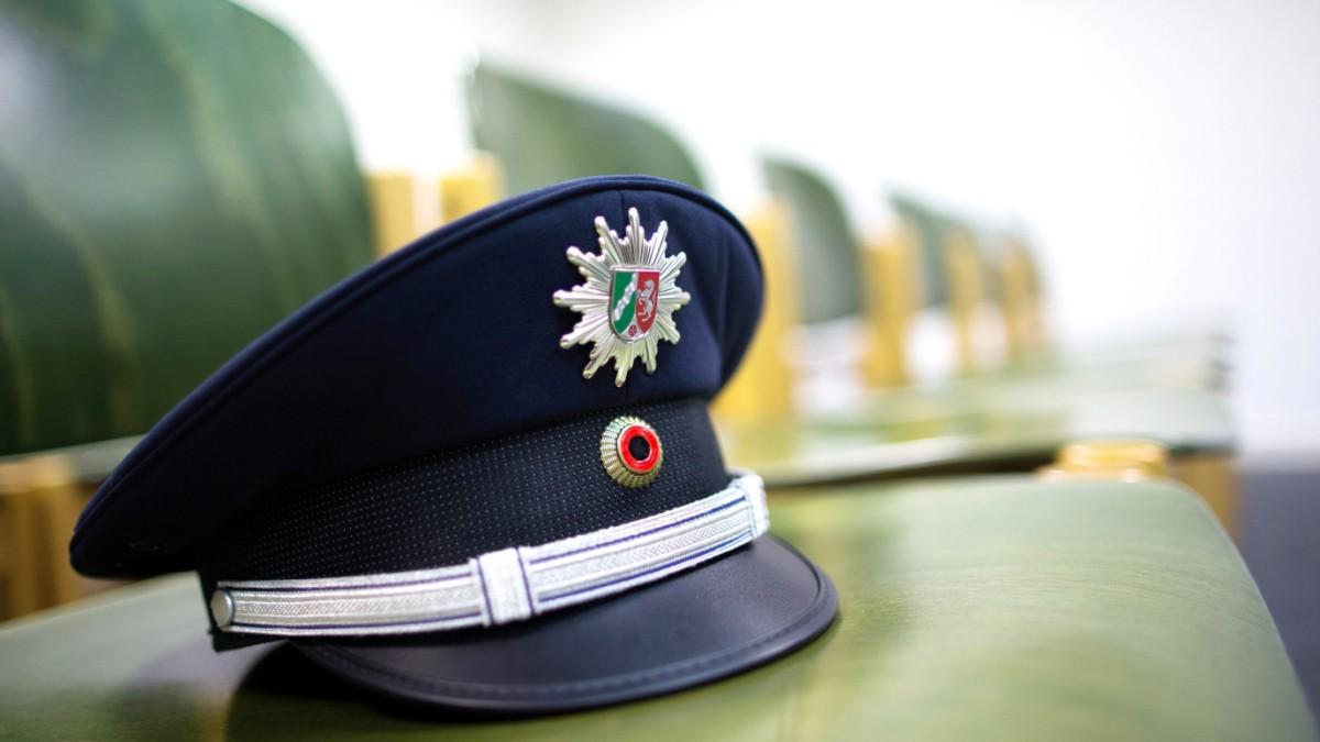 mindestgre nrw polizei muss kleine bewerber zulassen karriere sddeutschede - Polizei Thuringen Bewerbung