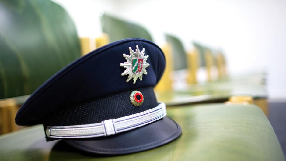 Frau klagt auf Einstellung in den Polizeidienst