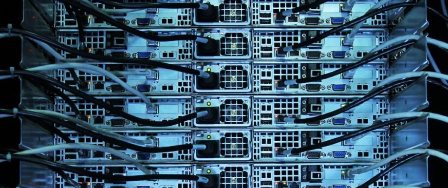 GARCHING: Leibniz-Rechen-Zentrum (LRZ) / Super-Muc; Hochleistungscomputer Supermuc im Leibniz-Rechenzentrum in Garching, 2012